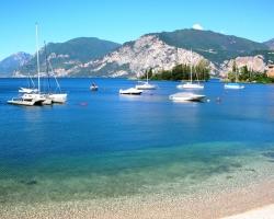 Lago di Garda:: Sample Caption for Lago di Garda Image
